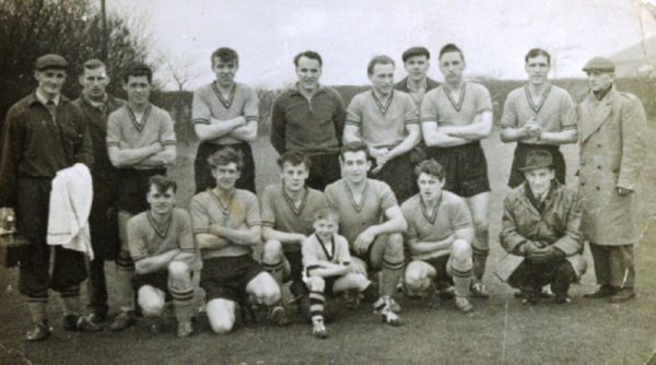 Calverton Colliery 1961 - Back row: Gerald Farmer, Ron Haynes, Johnny Gill, Graham Pope, Bob Kinton, ?, Jack Cranwell,  Arthur Woodward, Sonny Pollard, Jacky Lees (Chairman). Front row: John Hendren, ?, ?, Ron Farmer, Billy 'Bunty' Mulholland, Eddie Wake (Treasurer).