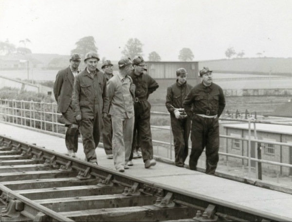 September 11th 1961: Lord Robens with Divisional Officials inspecting the surface